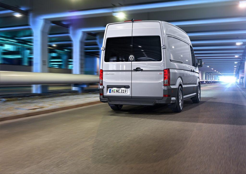 VW-Volkswagen-Crafter-Hannover-Nutzfahrzeug--IAA-2016-Rad-Ab (2)