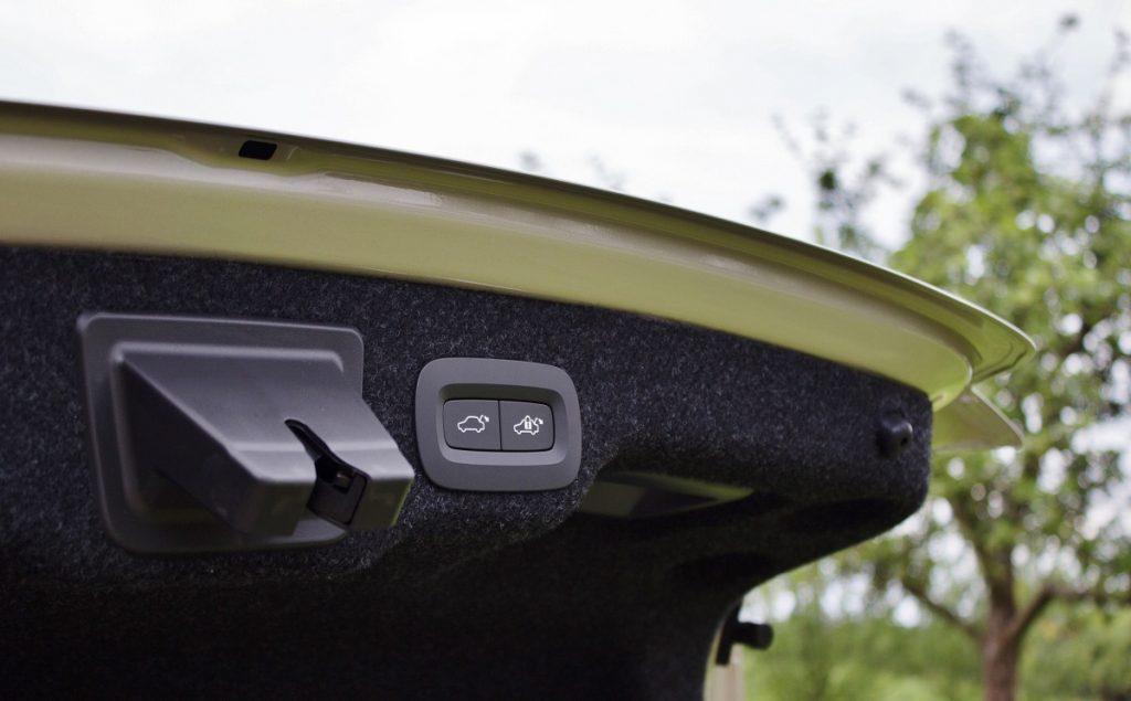 Volvo-S-90-Limousine-Frankfurt-D5-2016-Rad-Ab (2)