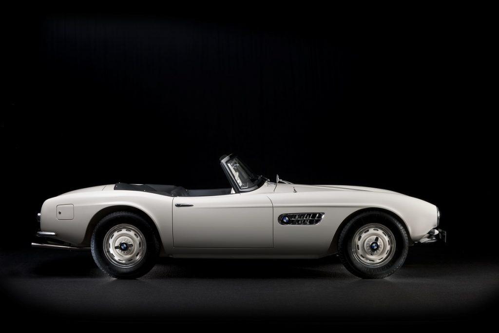 Der BMW 507 zeigt klassische Roadster-Proportionen, wie sie im Buche stehen