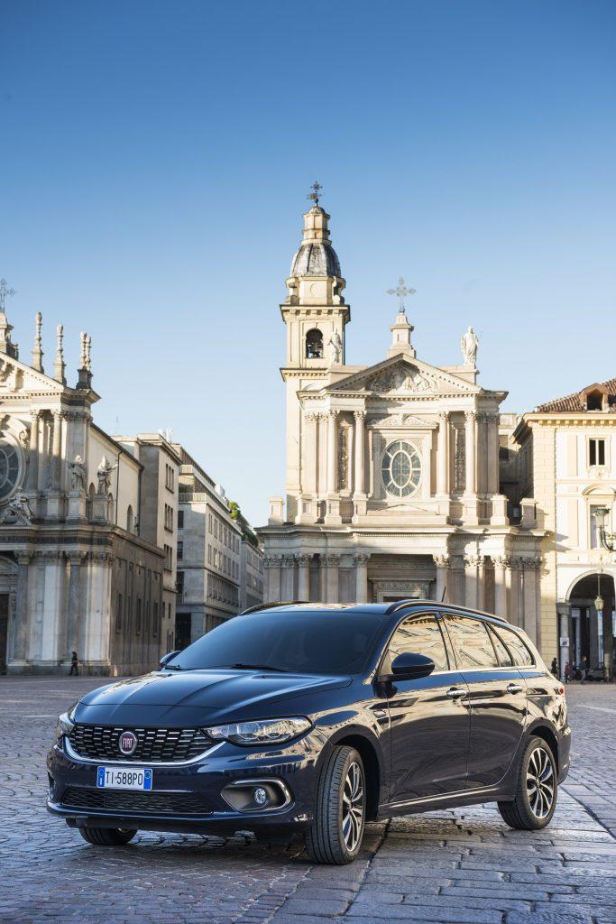Fiat-Tipo-Station-Wagon-2016-Rad-Ab (3)