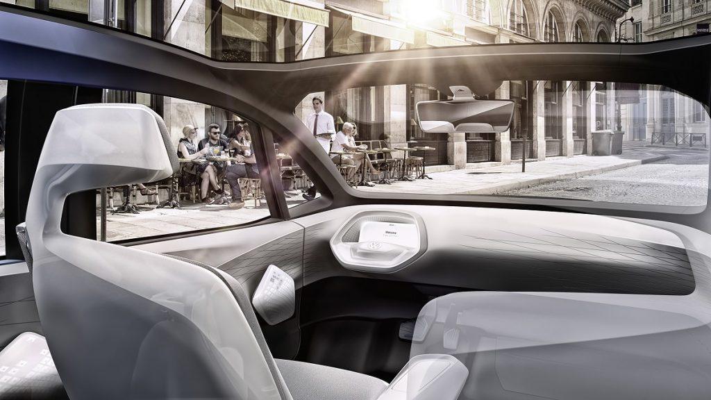 Platz da: Für den autonomen Betrieb fährt die Lenksäule zurück