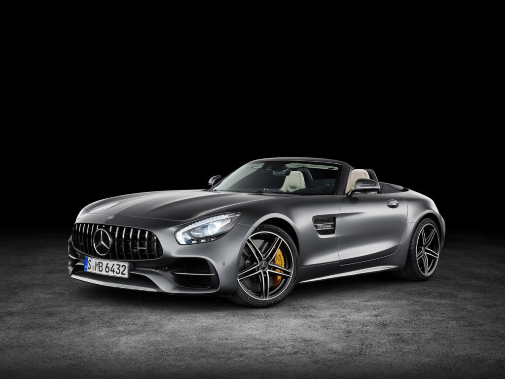 AMG GT C Roadster (R 190), 2016; Exterieur: designo selenitgrau magno, neuer AMG Panamericana Grill; Interieur: Leder Nappa Exklusiv macchiatobeige; Kraftstoffverbrauch kombiniert: xx.x l/100 km, CO2-Emissionen kombiniert: xxx g/km//AMG GT C Roadster (R 190), 2016; exterior: designo selenit grey magno, new AMG Panamericana Radiator grille; interior:Nappa leather exclusive macchiato beige; fuel consumption, combined: xx,x l/100 km; combined CO2 emissions: xxx g/km