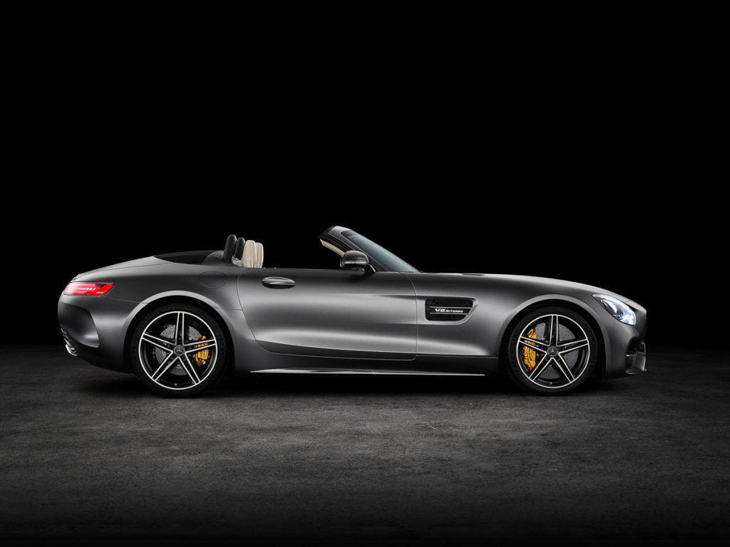 AMG GT C Roadster (R 190), 2016; Exterieur: designo selenitgrau magno; Interieur: Leder Nappa Exklusiv macchiatobeige; Kraftstoffverbrauch kombiniert: xx.x l/100 km, CO2-Emissionen kombiniert: xxx g/km//AMG GT C Roadster (R 190), 2016; exterior: designo selenit grey magno; interior:Nappa leather exclusive macchiato beige; fuel consumption, combined: xx,x l/100 km; combined CO2 emissions: xxx g/km