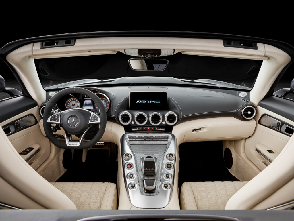 AMG GT C Roadster (R 190), 2016; Interieur: Leder Nappa Exklusiv macchiatobeige; Kraftstoffverbrauch kombiniert: xx.x l/100 km, CO2-Emissionen kombiniert: xxx g/km//AMG GT C Roadster (R 190), 2016; interior:Nappa leather exclusive macchiato beige; fuel consumption, combined: xx,x l/100 km; combined CO2 emissions: xxx g/km