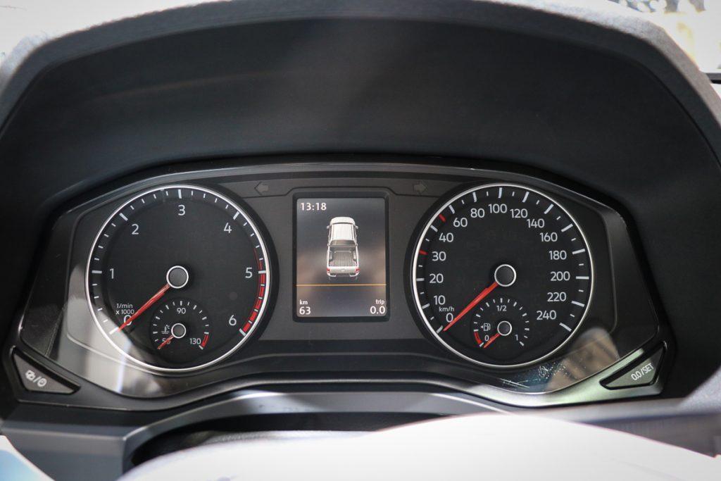 volkswagen-amarok-v6-blau-autosalon-paris-2016-v6-infotainment-design-4