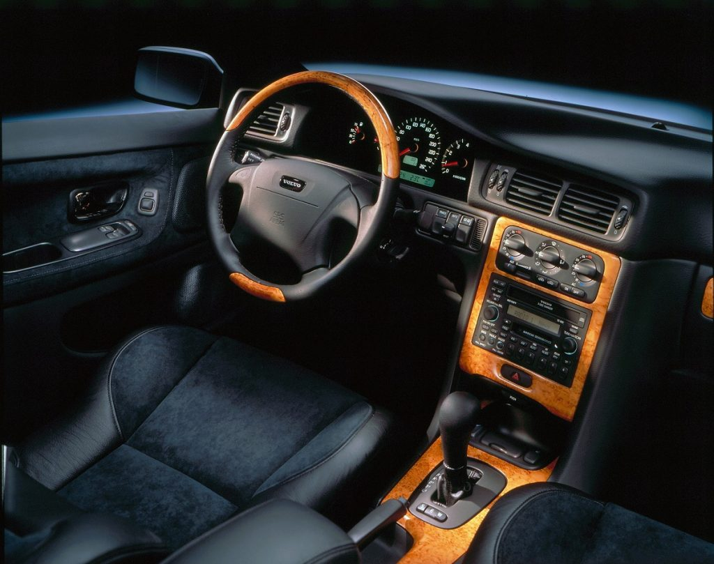 Volvo C70 Coupé interior