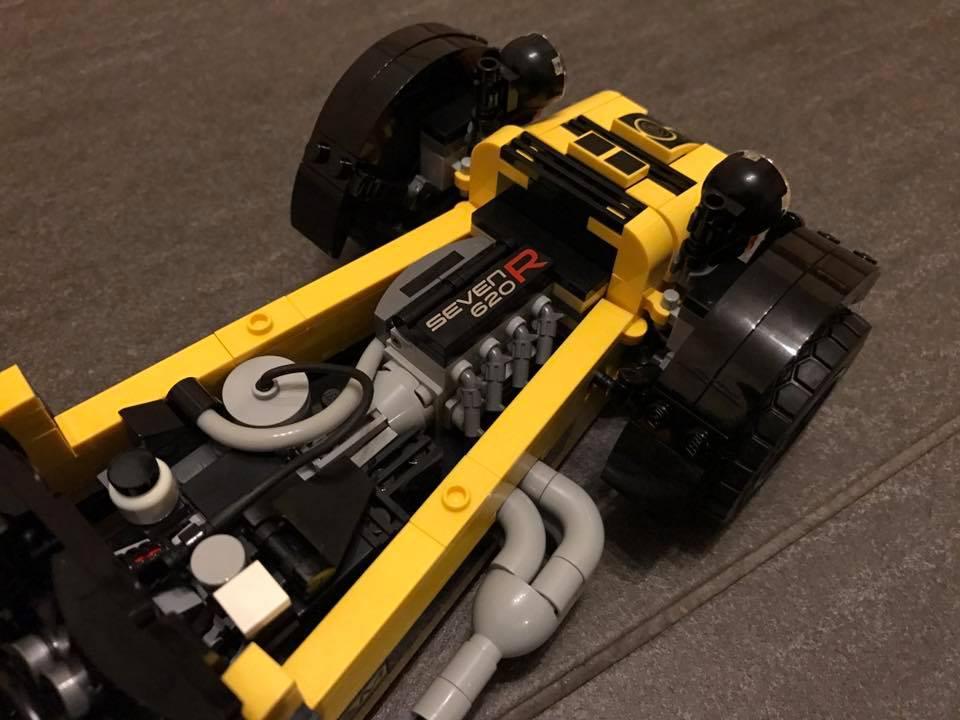 lego-caterham-seven-620-r
