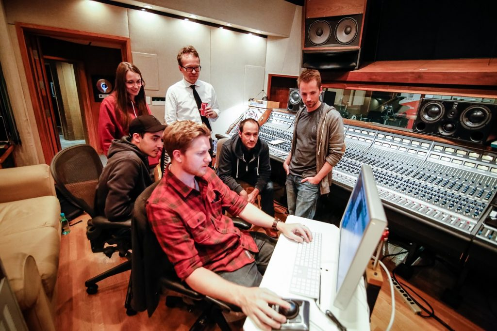 seat-wird-musikalisch-leon-cupra-eike-herwig-soundlogo-2016-rad-ab-com-13
