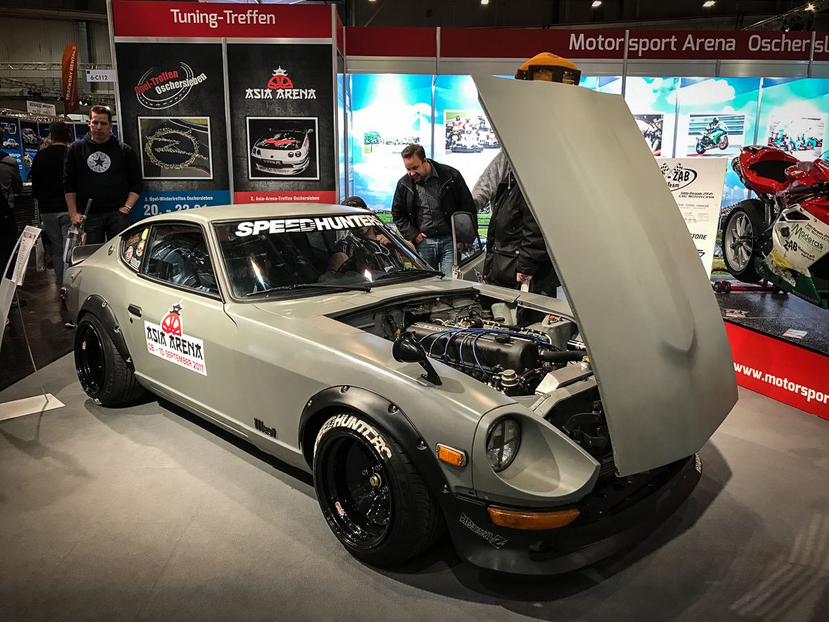 datsun 240z tuning essen motorshow 2016 rad. Black Bedroom Furniture Sets. Home Design Ideas