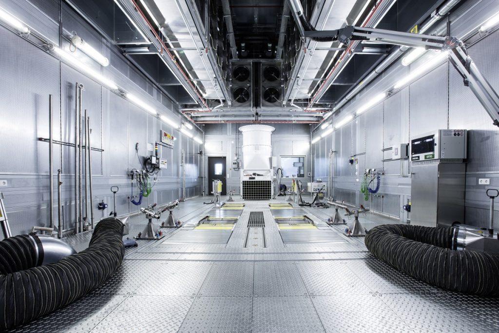 Die heiligen Hallen: Modernste Technik für moderne Fahrzeuge