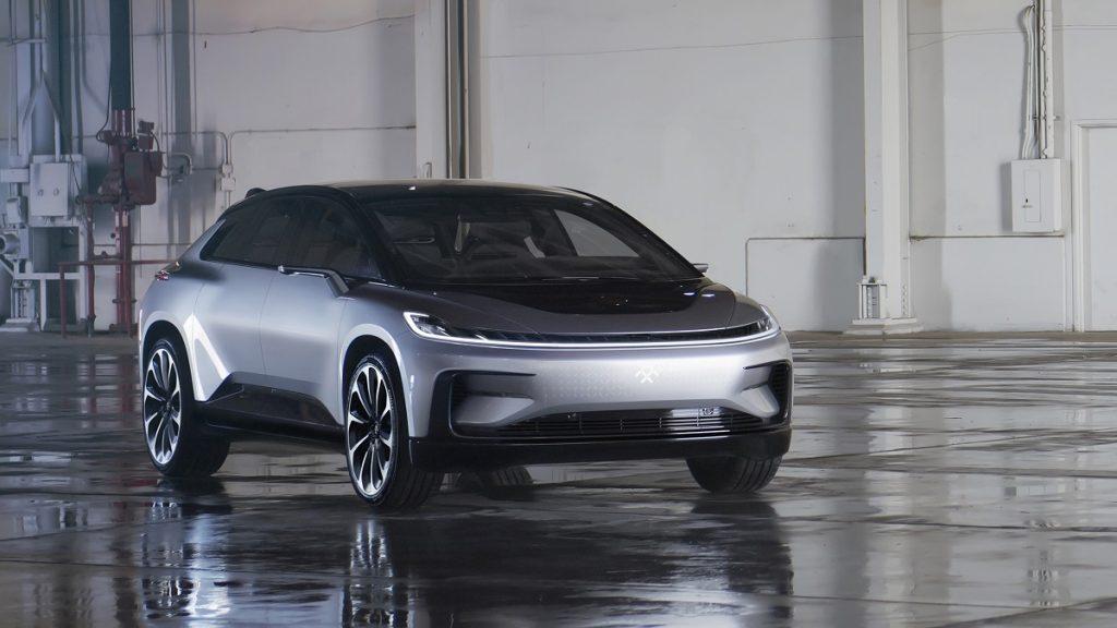 faraday-future-ces-2017-elektroauto-ff91-rad-ab-com-2