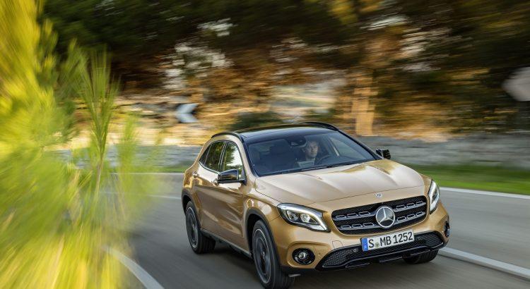 Mercedes-Benz GLA 220d 4MATIC, canyonbeige, Fahraufnahme // Mercedes-Benz GLA 220d 4MATIC, canyon beige, driving shot  Kraftstoffverbrauch kombiniert: 4,8 l/100 km, CO2-Emissionen kombiniert: 127 g/km // Fuel consumption combined:  4.8 l/100 km; Combined CO2 emissions: 127 g/km