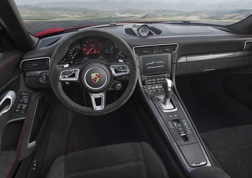 Serie beim 911 GTS: Das Sport Chrono Paket mit Stoppuhr