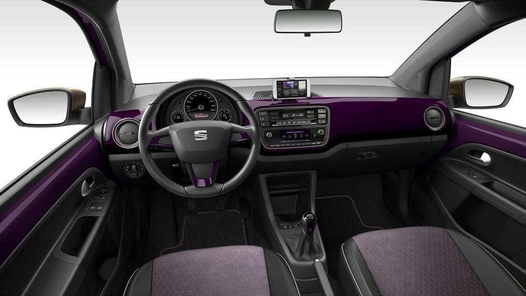 Innen, wie außen: Violett dominiert den Seat Mii Cosmopolitan