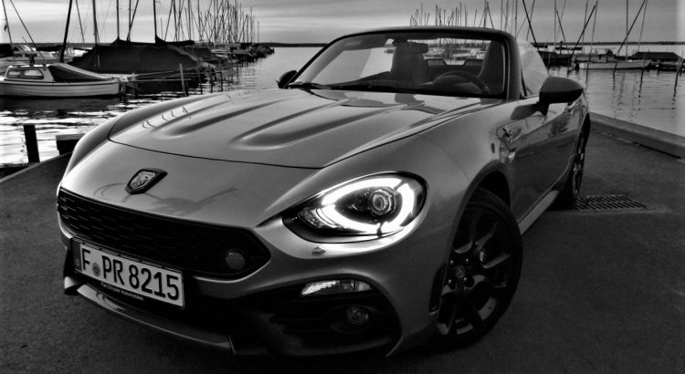 fahrbericht abarth 124 spider sticht der kleine roadster. Black Bedroom Furniture Sets. Home Design Ideas