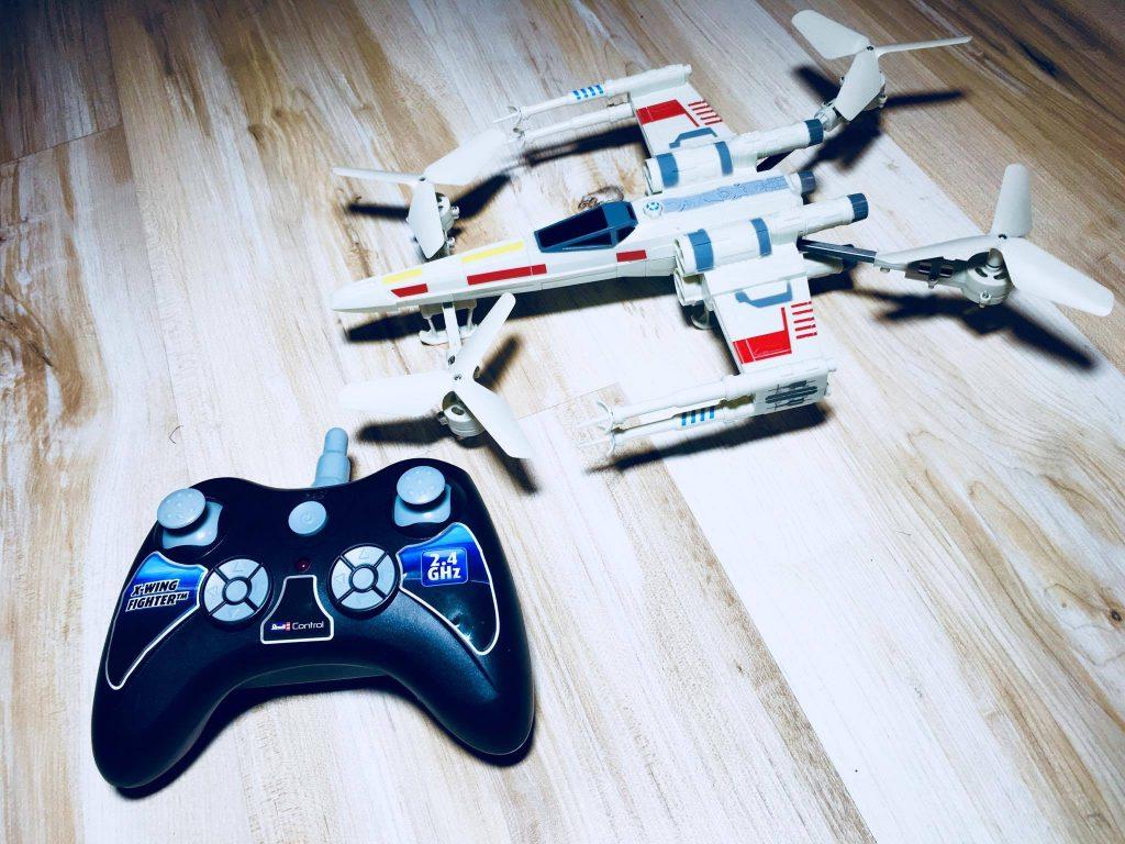 X-Wing Fighter - ferngesteuertes Modell von Revell
