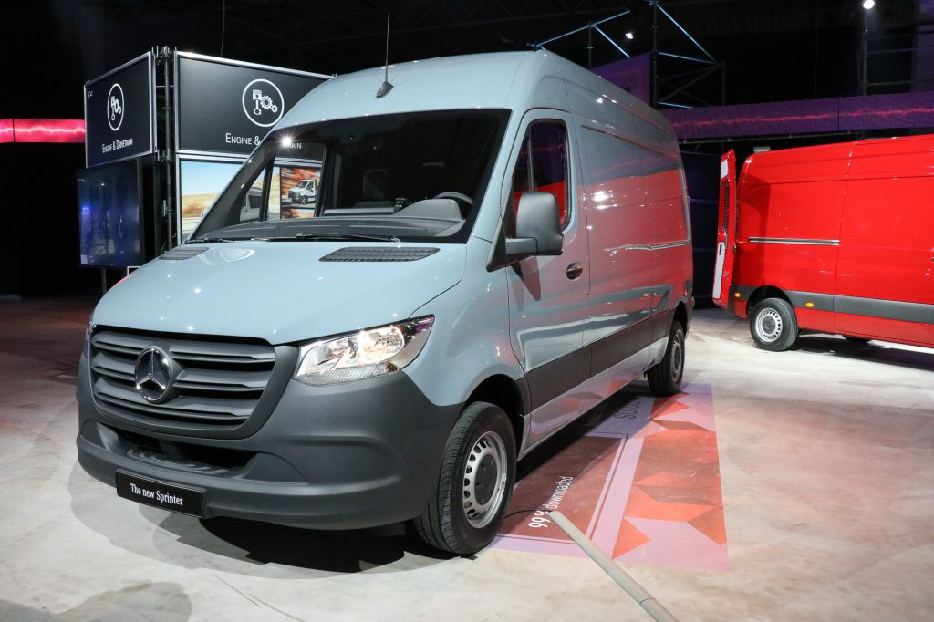 das ist der neue mercedes benz sprinter 2018 der sprinter wird sexy rad. Black Bedroom Furniture Sets. Home Design Ideas