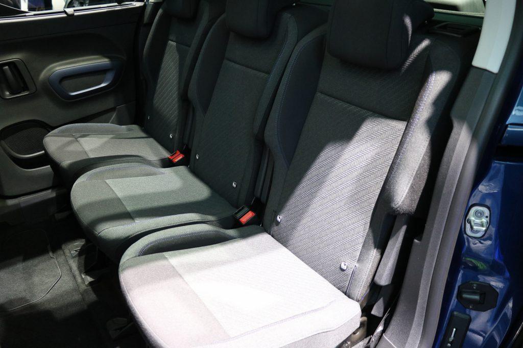 Platz für drei Kindersitze im Peugeot Rifter